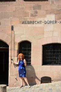 Susanne Haun klingelt bei Herrn Dürer (c) Foto von M.Fanke