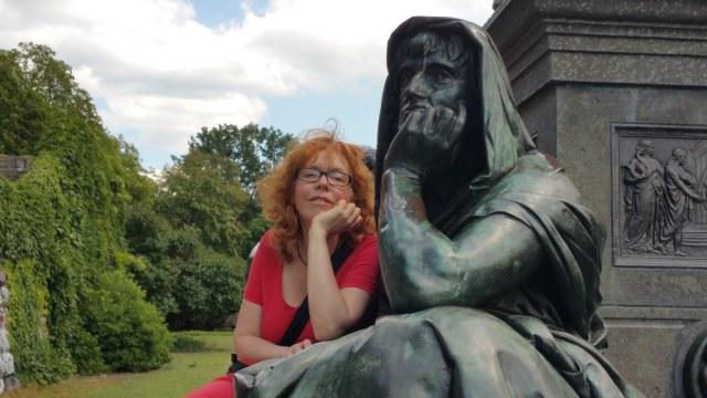 Die Philsophie vom Schillerdenkmal und ich (c) Foto von Birgit Böllinger