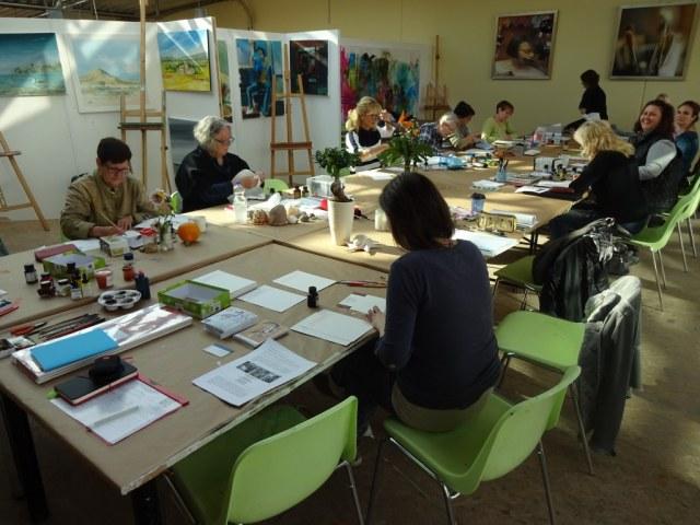 1 Worksop bei Boesner Stillleben mit Tusche zeichnen und kolorieren (c) Foto von Susanne Haun