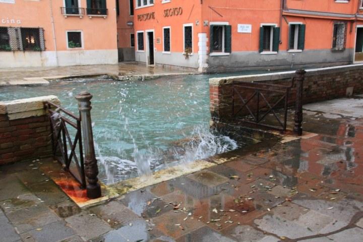 1 Acqua Alta in Venedig (c) Foto von Susanne Haun