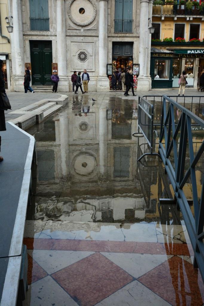 14 Acqua Alta auf dem Markusplatz in Venedig (c) Foto von M.Fanke