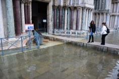 6 Acqua Alta auf dem Markusplatz in Venedig (c) Foto von M.Fanke