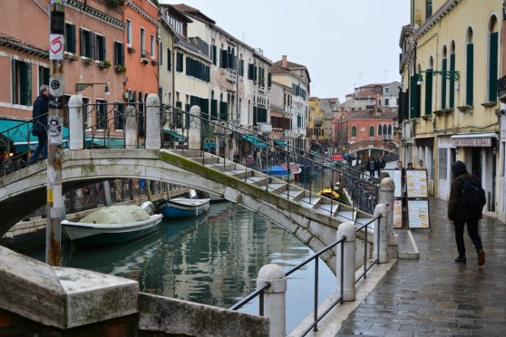 10 Gleich am Piazzale Roma beginnen die Kanäle Venedigs (c) Foto von M.Fanke