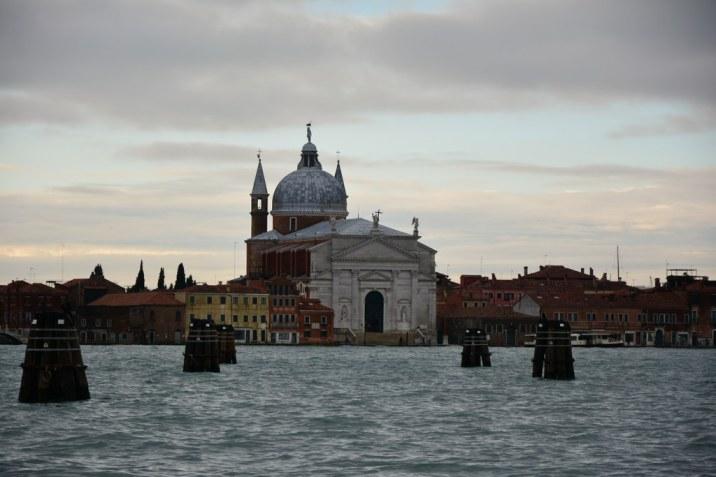 Ausblick am Zipfel Venedigs an der Punta della Dogana auf Il Redentore (c) Foto von M.Fanke