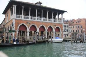Venedig aus dem Vaporetto - Fischmarkt (c) Foto von Susanne Haun
