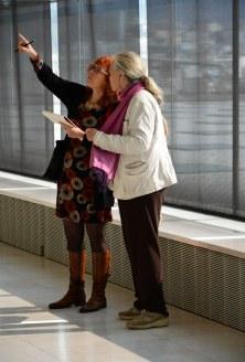 Athen Gerda und Susanne im Akropolis Museum (c) Foto von M.Fanke