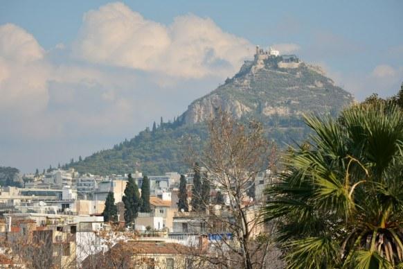 Athen Akropolis Museum Dachterasse - Blick zum Lykabettos (c) Foto von M.Fanke