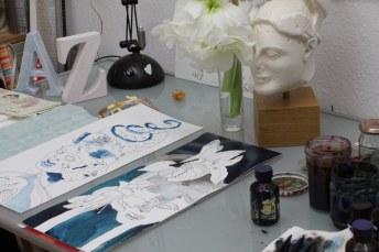 Entstehung Hoplit mit Strohblume und Amaryllis - 50 x 20 cm - Tusche auf Hahnemühle Aquarellkarton (c) Zeichnung von Susanne Haun