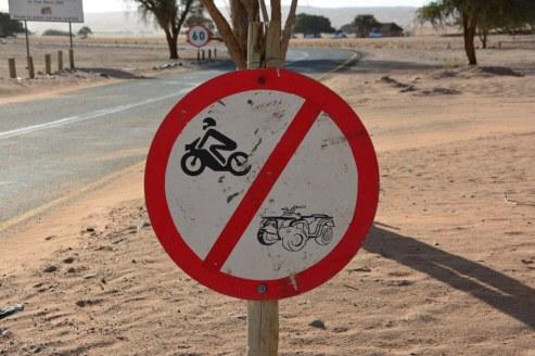 Es ist verboten mit Quads oder Motorräder in die Wüste zu fahren (c) Foto von M.Fanke