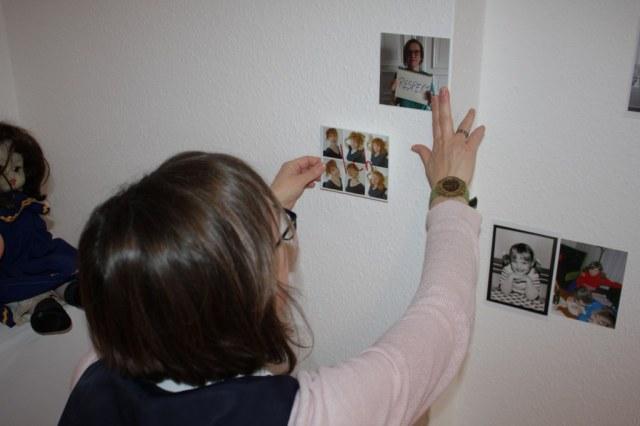 Aufbau der Installation Künstlerischer Umgang mit Erinnerungen von (c) Susanne Haun und Doreen Trittel