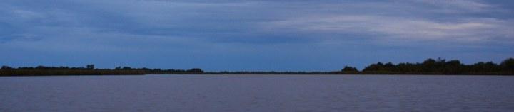 Blaue Stunde im Okavango Delta Botswana (c) Foto von M.Fanke