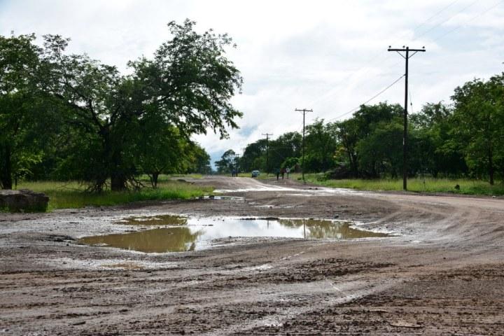 Unterwegs in Botswana bei Regen (c) Foto von M. Fanke