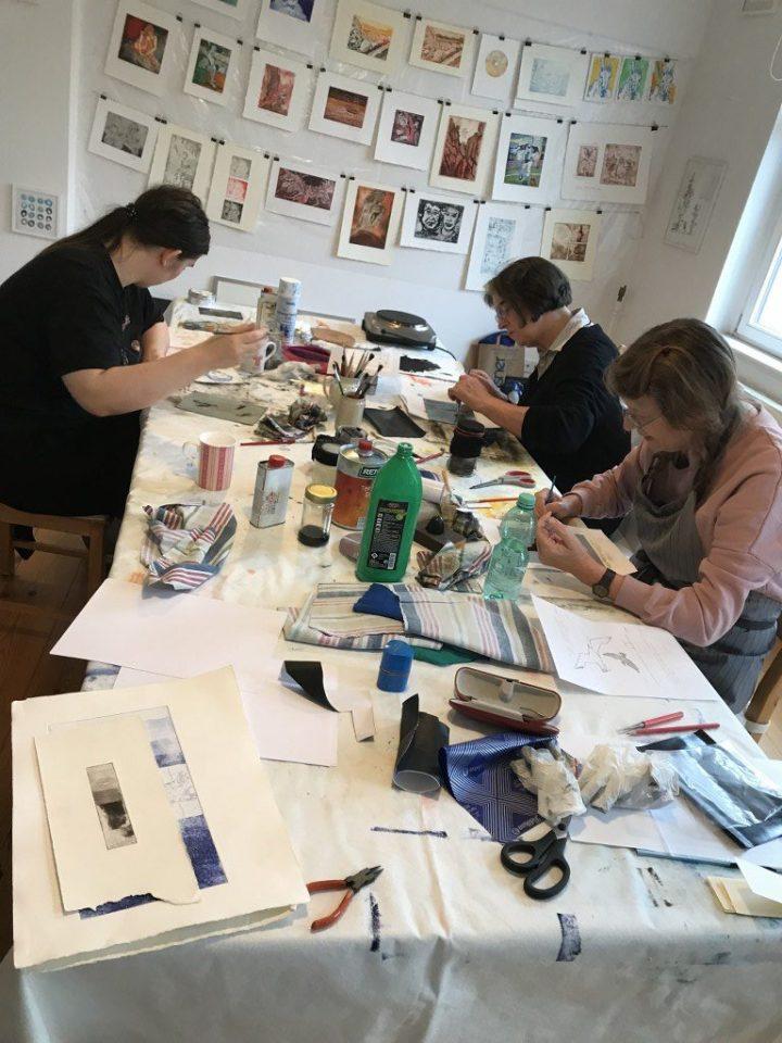 Workshop Radierung im Atelier - Dozentin Susanne Haun (c) VG Bild Kunst, Bonn 2018