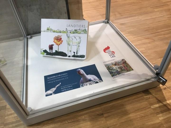 Schiller Bibliothek, Ausstellung Querbrüche Obdachlos, Susanne Haun im Eichhörnchenverlag © Foto von M.Fanke