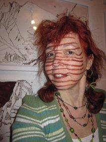 Ich als Streifenhörnchen - 20 x 20 cm auf Hahnemühle Aquarellkarton - Zeichnung von Susanne Haun (C) VG Bild Kunst, 2018Ich als Streifenhörnchen -Foto - Selbstportrait von Susanne Haun (C) VG Bild Kunst, 2018.