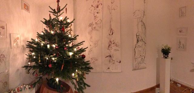Weihnachtszeit – Galerieraum – Foto von Susanne Haun (c) VG Bild Kunst, Bonn 2018
