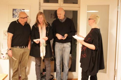 Aus der Performance Schickal, 19. Kunstsalon, Sabine Küster und Krystiane Vajda, Foto von Susanne Haun (c) VG Bild-Kunst, Bonn 2019