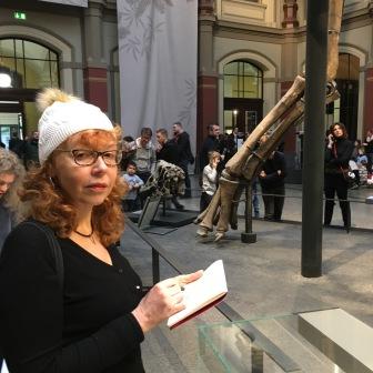 Susanne Haun, im Naturkundmuseum (c) Foto von M.Fanke