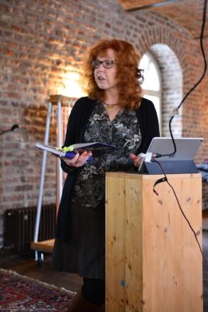 Aufbau der Präsentation Eiswelten - Susanne Haun (c) Foto von M.Fanke