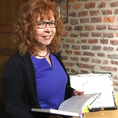 Aufbau der Präsentation Eiswelten, Susanne Haun (c) Foto von M.Fanke