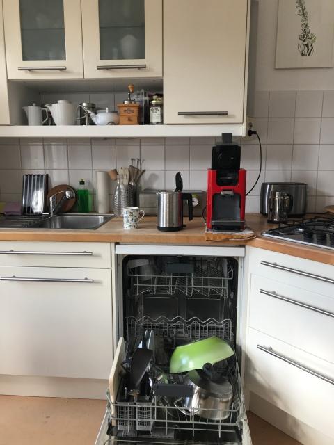 Geschirrspüle ausräumen (c) Foto von Susanne Haun