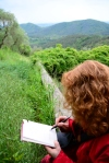 Impressionen von der Wanderung rund um Villa Baldini , Susanne Haun beim Zeichnen (c) Foto von M.Fanke