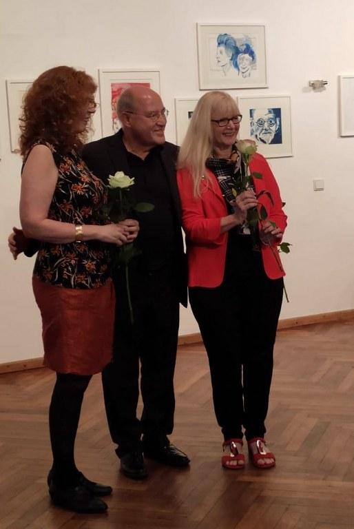 Impressionen von der Ausstellungseröffnung Schau mich an, Portraits von Roswitha Geisler und Susanne Haun (c) Foto Marion Schütt