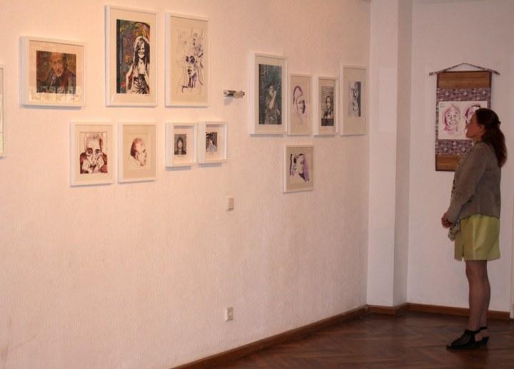 Impressionen von der Ausstellungseröffnung Schau mich an, Portraits von Roswitha Geisler und Susanne Haun (c) Foto M.Fanke