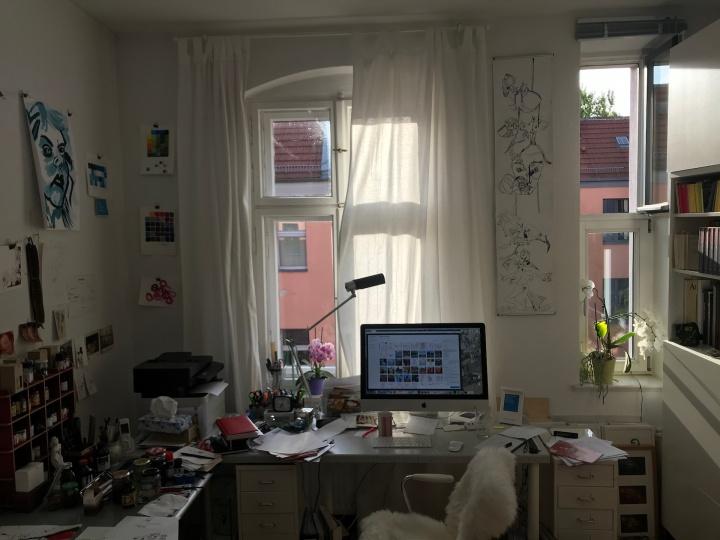 Alltag im Atelier Susanne Haun - Blog schreiben (c) VG Bild-Kunst, Bonn 2019