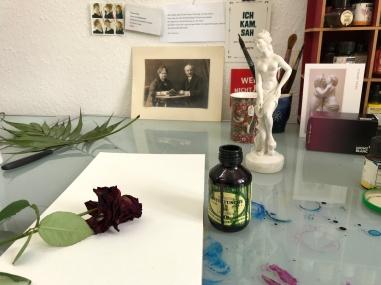 Entstehung Rosen in Carrara, Version 1, 60 x 20 cm, Tusche auf Aquarellkarton, Zeichnung von Susanne Haun (c) VG Bild-Kunst, Bonn 2019