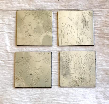 Engel, Strichätzung, Plattengrösse 5 x 5 cm, 4 Platten, Radierung von Susanne Haun (c) VG Bild-Kunst, Bonn 2020